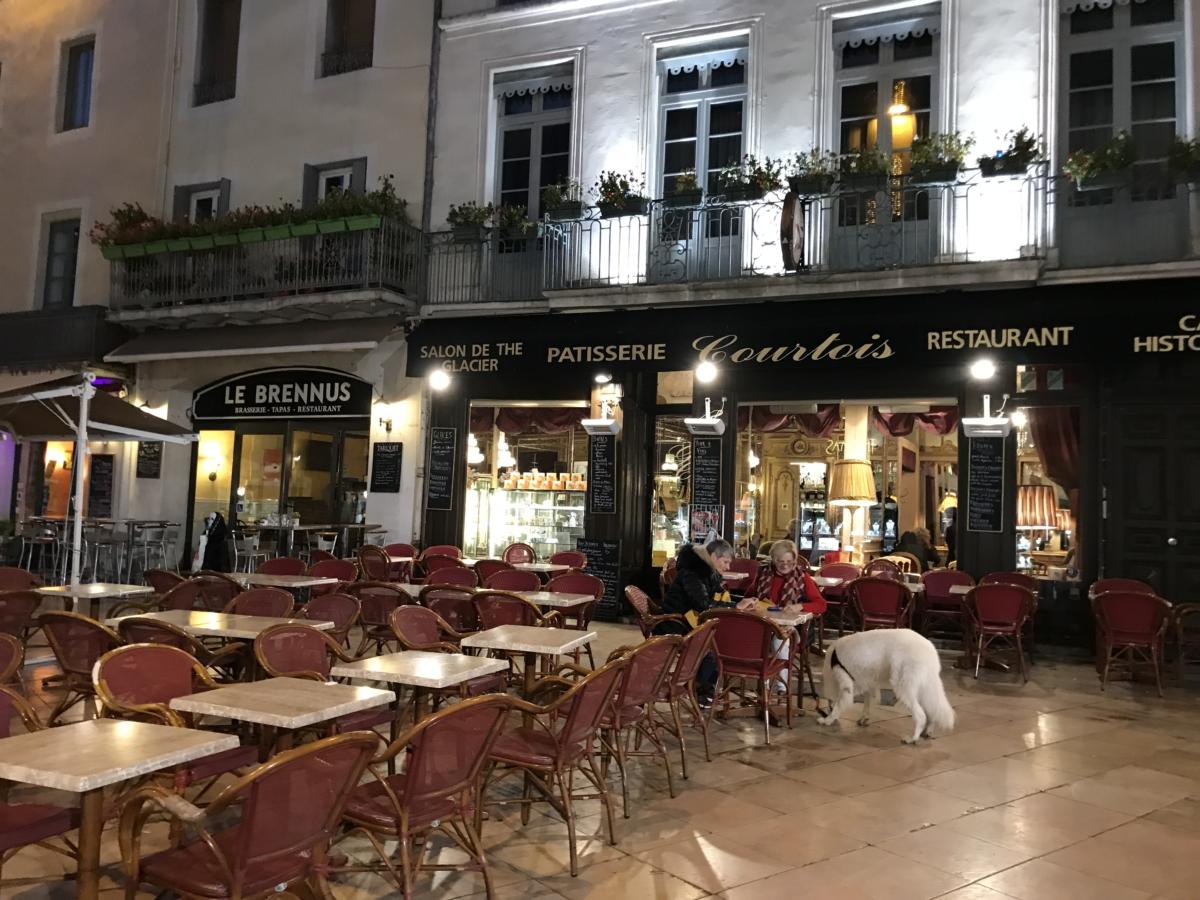 Noapte Restaurant Nimes Franta