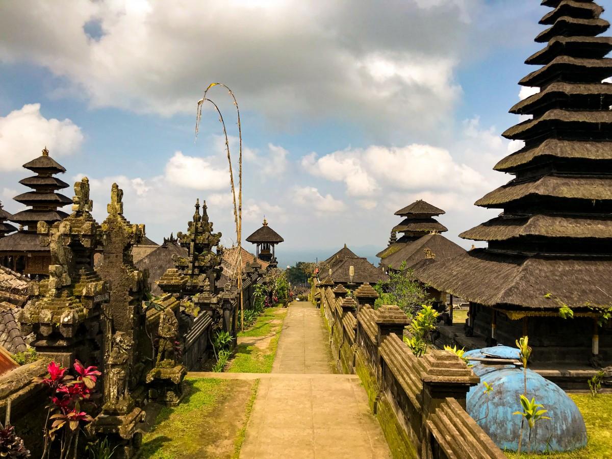 Templu Besakih Bali Ghid