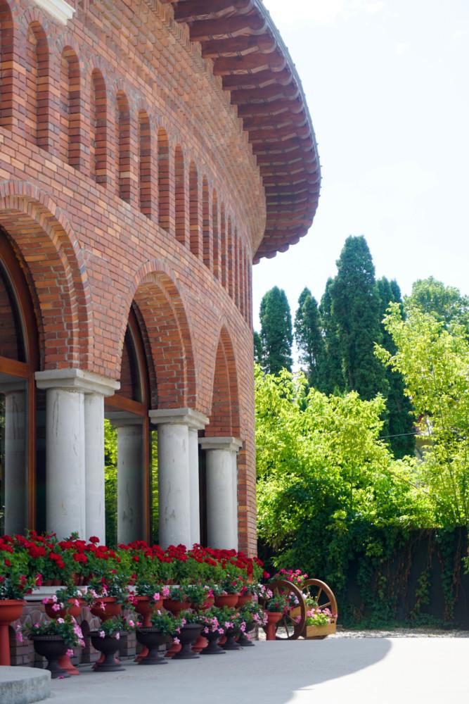 Biserica Manastire Romania