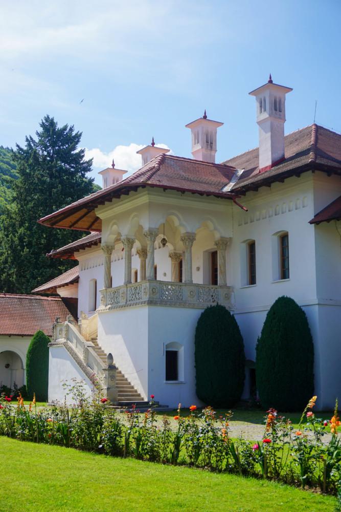 Manastire Sambata