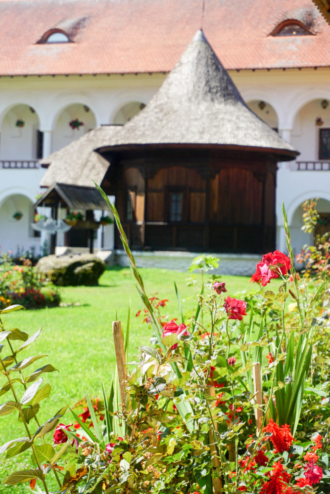 Sambata Manastire