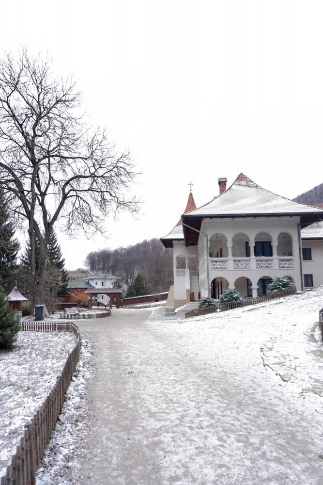 Manastirea Prislop Iarna Poze
