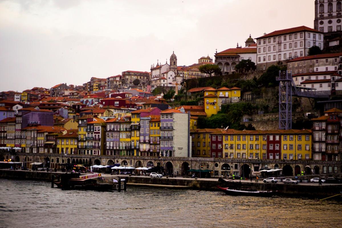 Ribeira Porto Poze