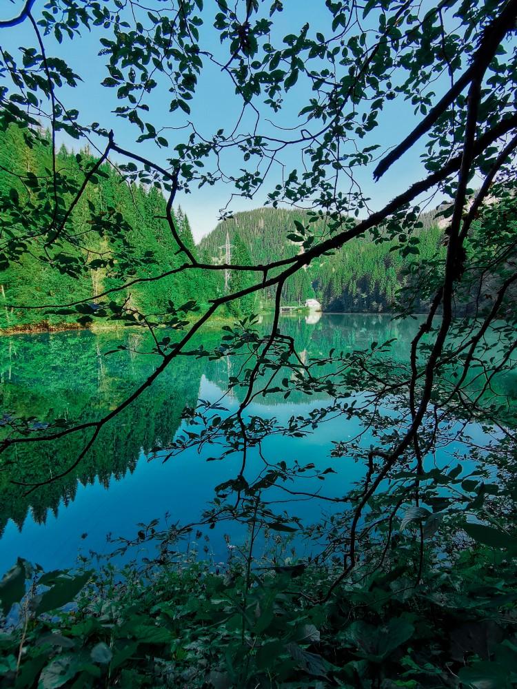 Lacul Scropoasa Priveliste