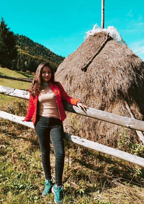 Traseu de-o zi in Moeciu de Sus: peisaje pitoresti de vis catre Poiana Andolia!