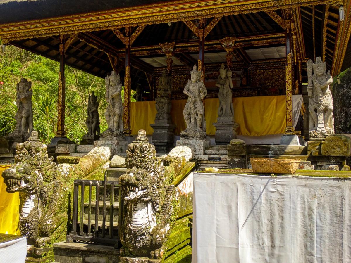 Gunung Kawi Templu Bali Ghid