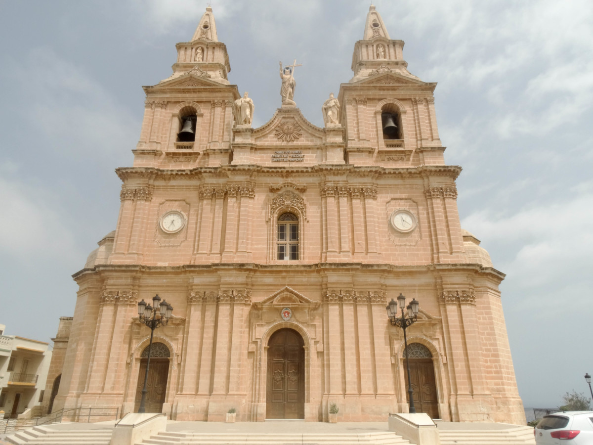 Mellieha Catedrala Malta