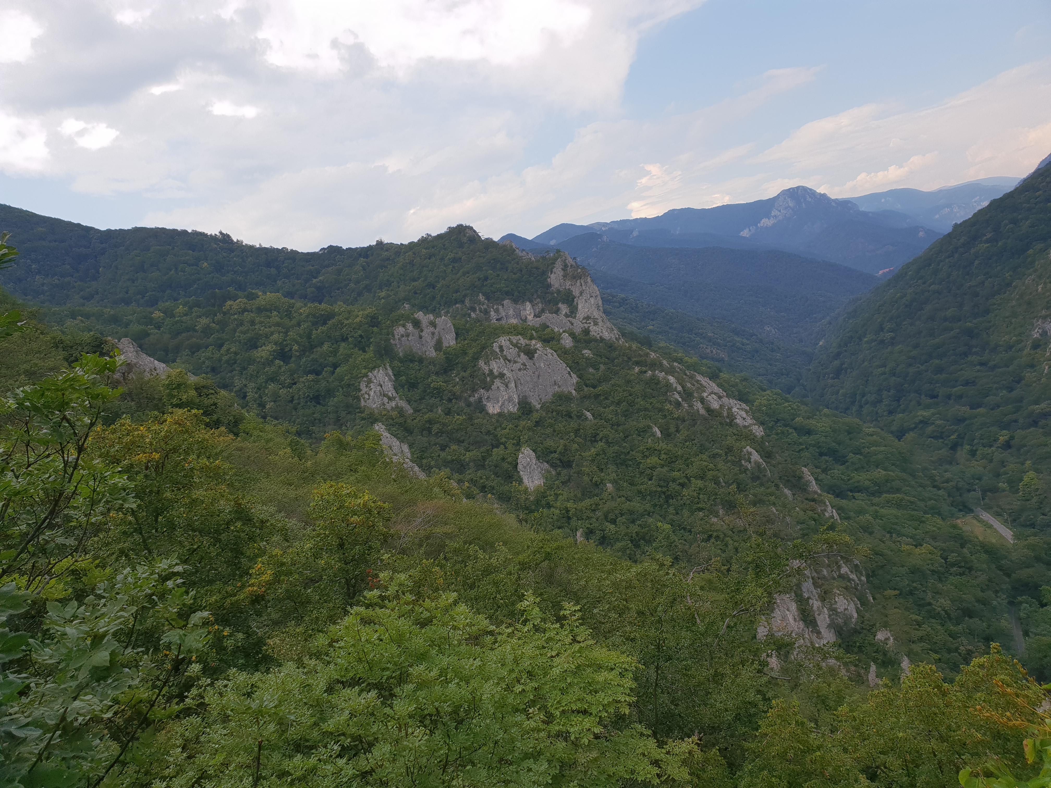 Munti Domogled Valea Cernei