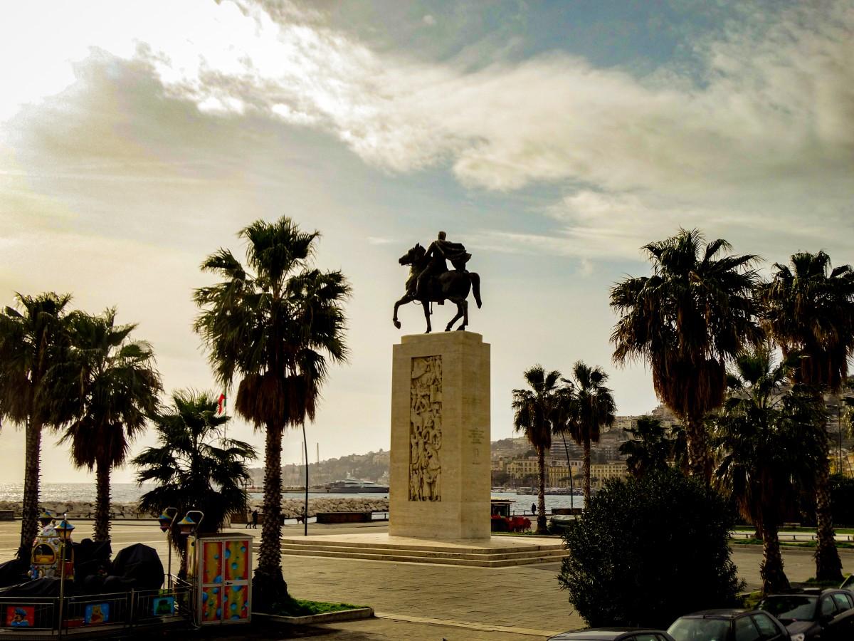 Statuie General Armando Diaz