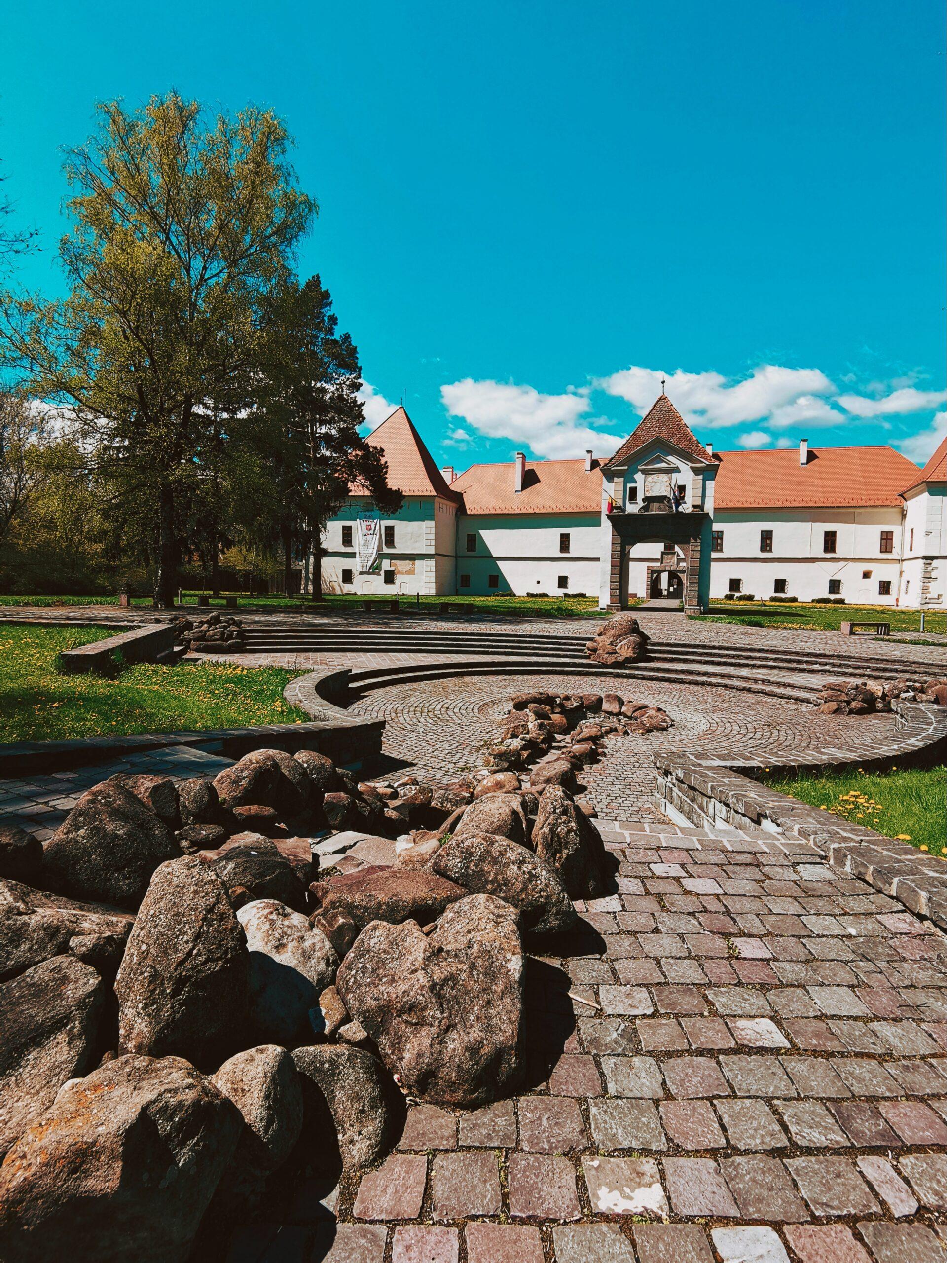 Castelul Miko Intrare