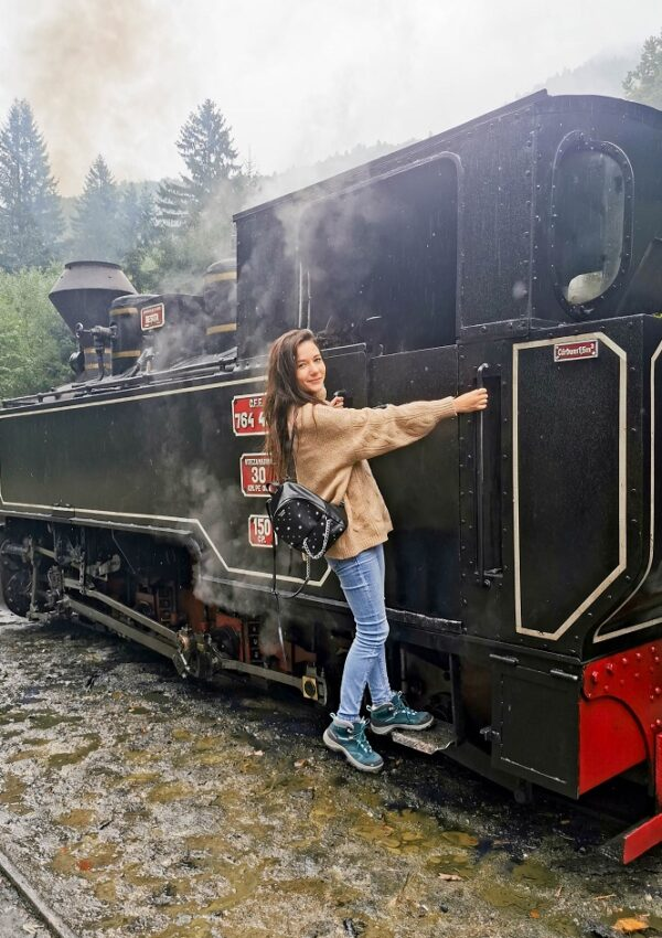 Călătorie cu mocănița din Maramureș, toamna: cât durează, unde ne-am cazat și cât costă biletul ?